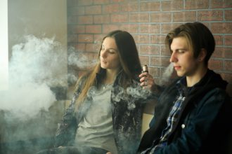 Teen Vaping & How to Help Teens to Quit